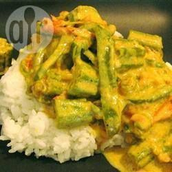Recipe photo: Indian okra in coconut curry