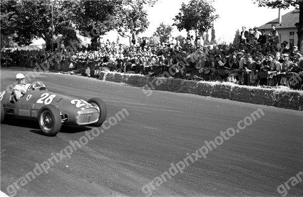 #28 Giuseppe Farina (I) - Ferari 500 (Ferrari 4) magneto (1) Scuderia Ferrari