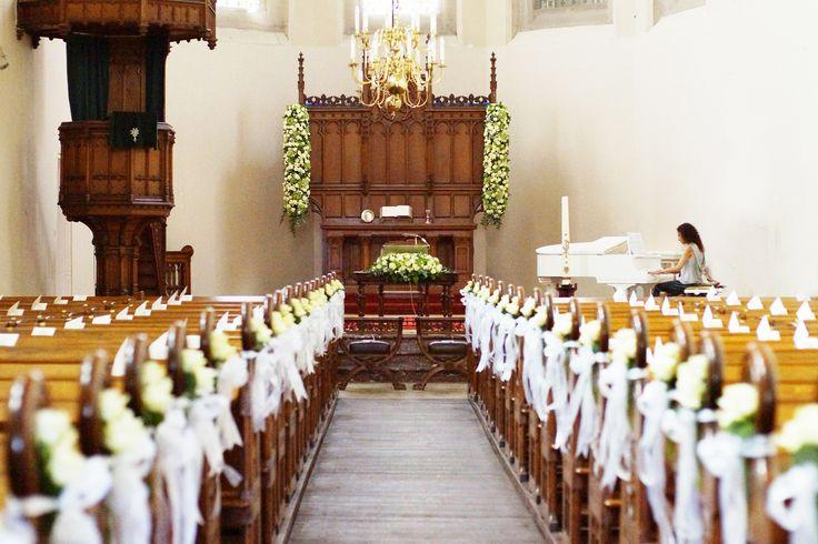 Walter Van Gastel - Trouwen, versiering met bloemen in de kerk