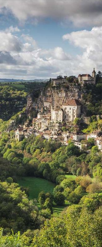 Cliff hanging Rocamadour ~ Dordogne, France