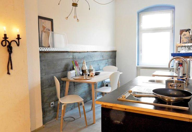 Charming very sunny flat 'Altbau' - 2 slaapkamers, 1 badkamer  in Berlijn, Duitsland op TripAdvisor.