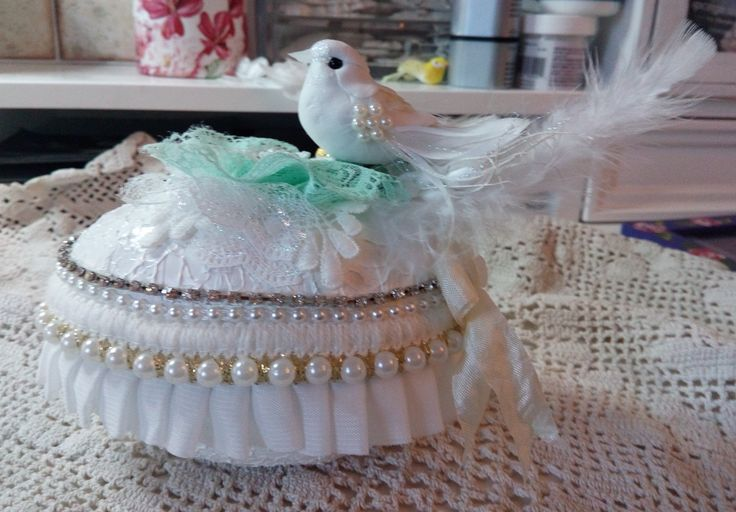 Easter egg,shabby,birdy,lace,pearls