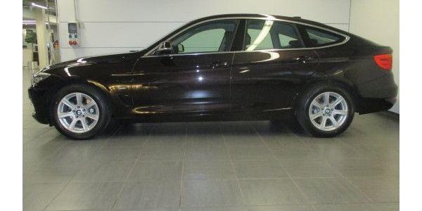 BMW 330d xDrive Gran Turismo Modell Luxury Line-Im Innenraum begeistert er auf allen Plätzen mit seinem großzügigen Raumangebot.