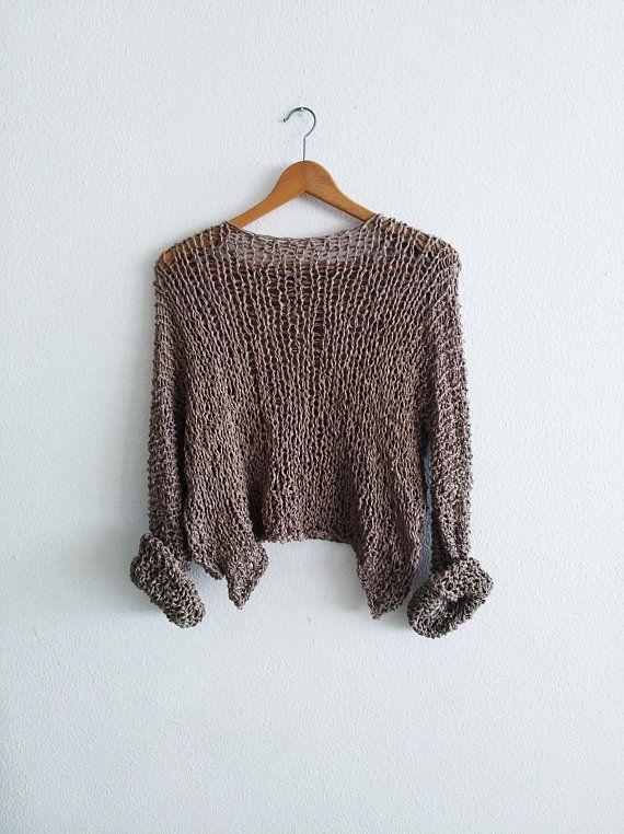 Mira este artículo en mi tienda de Etsy: https://www.etsy.com/es/listing/607472345/beige-crop-sweater-sexy-sweater-soft