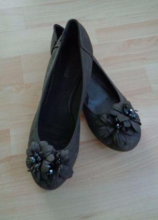 Kaufe meinen Artikel bei #Kleiderkreisel http://www.kleiderkreisel.de/damenschuhe/ballerinas/119126196-deichmann-ballarinas-grau-mit-blumen-gr-38