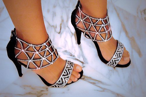 Beautiful black high heel prom shoes 2014 with silver rhinestone details: