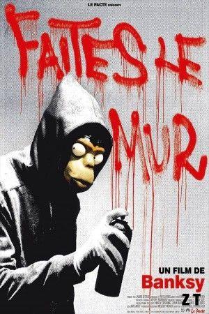 Faites le mur !  Dans un monde où nous sommes bombardés de messages publicitaires qui envahissent l'espace public, les oeuvres de Banksy offrent un regard différent - un regard à la fois drôle et incisif, sans être dogmatique pour autant. Banksy a fini par convaincre l'Anglais moyen que les véritables vandales de notre société sont ceux qui construisent des immeubles plus hideux les uns que les autres et non ceux qui dessinent sur leurs murs.