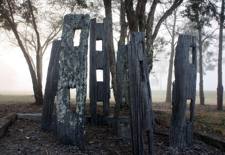 Seetlers fencepost monument.