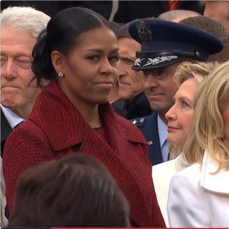 «Боже мой, этот взгляд»: лицо Мишель Обамы стало главным мемом инаугурации http://kleinburd.ru/news/bozhe-moj-etot-vzglyad-lico-mishel-obamy-stalo-glavnym-memom-inauguracii/  На просторах всемирной паутины не утихают споры и обсуждения, связанные с выражением лица Мишель Обамы на прошедшей инаугурации Дональда Трампа. В частности, многие обратили внимание на взгляд Мишель, который показался весьма недовольным. Репортёр Джон Шиндлер выразил свои чувства по поводу увиденного: «Боже мой, этот…