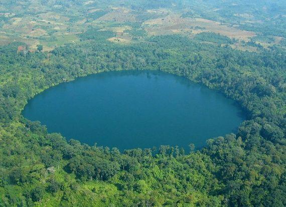 Λίμνη Yak Loom - Ratanakiri, Καμπότζη