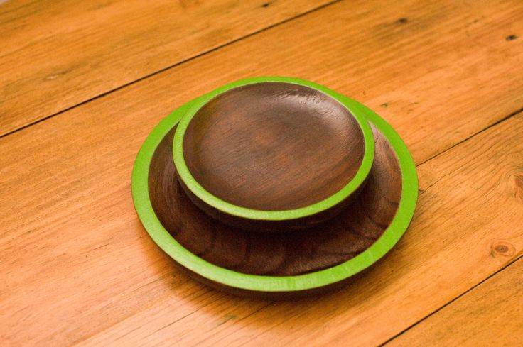 Handmade wooden plates with vibrant green rim - set of 2 by Gurdey on Etsy