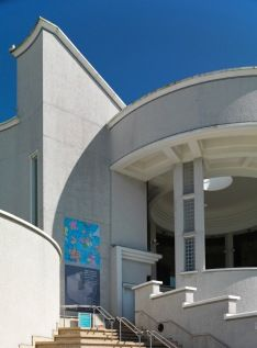 The Tate Gallery in St Ives...another must-see place to visit.  It is a wonderful building right on the gorgeous Porthmeor beach.
