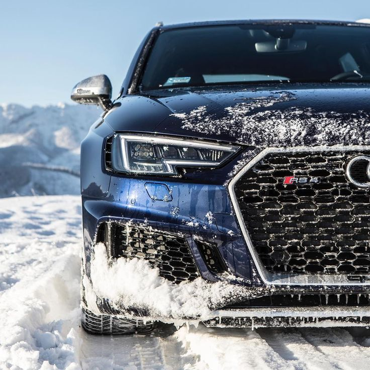 Ice ice baby too cold, too cold. -18 degrees Celsius, while the new RS4 was plowing through the Polish Tatras. Car: 2018 @Audi RS4 Avant (450hp, V6 2.9 BiTurbo) Color: Navarra blue metallic Performance: 0-100kmh 3.71 (tested), 4.1sec (official) Location: Zakopane, Poland YouTube: YouTube.com/auditography Facebook: facebook.com/auditography Camera: Canon Eos 5D Mark IV / 24-70mm Thanks to: Audi Poland (@audipl) Remember, ALL the photos are available on the 1M+ Facebook page, where you can…