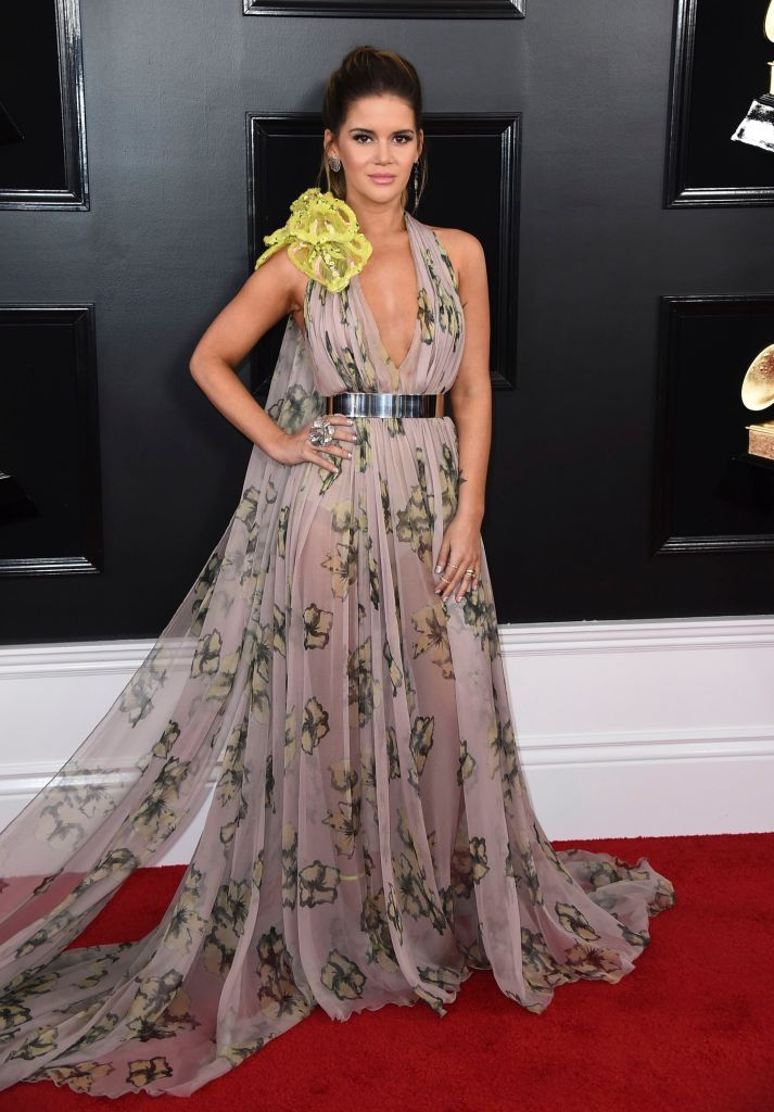 Every Red Carpet Look From The 2019 Grammys From Miley Cyrus To Camila Cabello Nice Dresses Grammy Awards Red Carpet Revealing Dresses