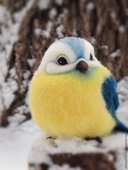 Adorable felted bird