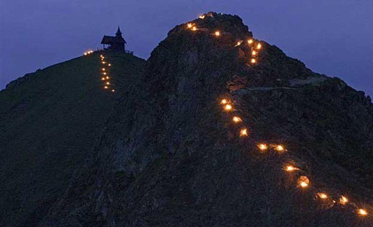 Sonnwendfeuer in der Silberregion Karwendel