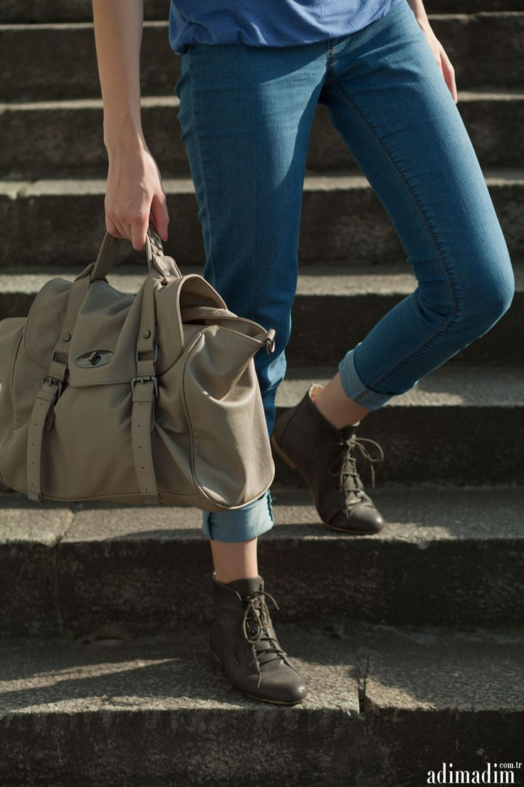 Doğru #ayakkabı seçimi ile her zaman daha havalı görünün...