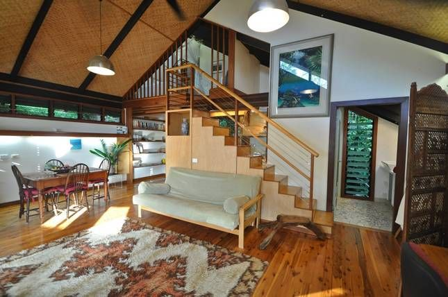 Rug design  Japanese stairway @ Wategos Treehouse Studio. Self-contained Studio in Wategos Beach 2km from Byron , NSW. From $145 per night. Sleeps 2.