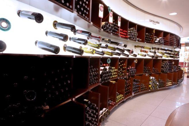 La caída de regalos de empresas y las cestas de navidad impulsa la venta online de vino http://www.vinetur.com/2012121410852/la-caida-de-regalos-de-empresas-y-las-cestas-de-navidad-impulsa-la-venta-online-de-vino.html