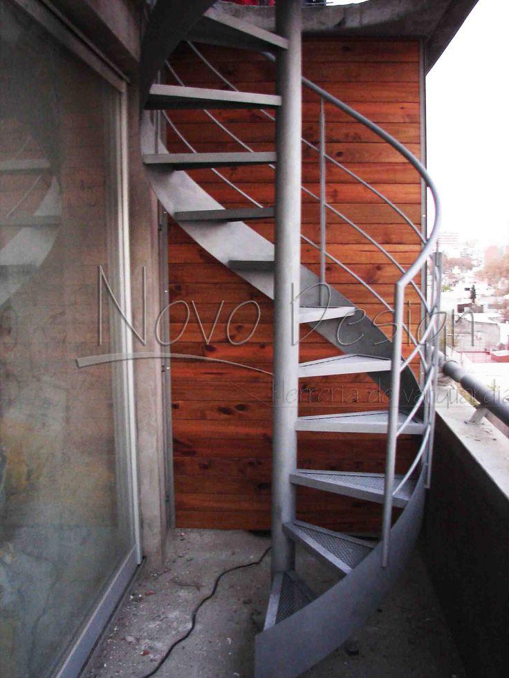 M s de 25 ideas incre bles sobre escaleras espirales en for Ver escaleras de casas