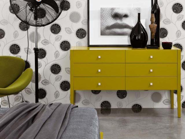 Novamobili: cassettiera in legno a tutto colore #yellow #bedroom #furnishing #InteriorDesign #HomeDecor