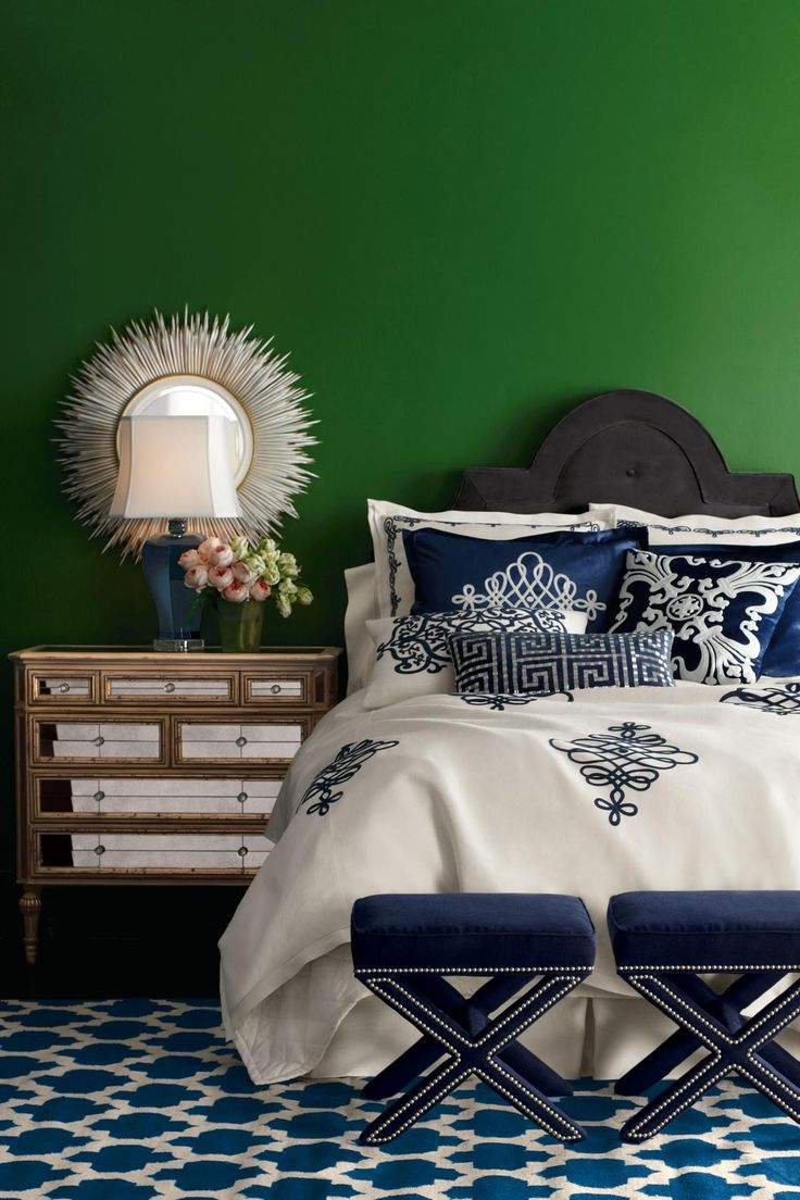 Blue and green bedroom - Decorating With Emerald Green Green Decorating Ideas