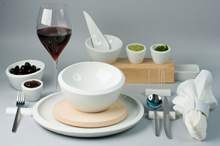 Porcelain accessories for the festive and the casual table by Balázs Antal, 2009