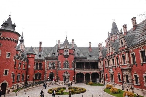 Plawniowice palace in Poland  From Apgmbc