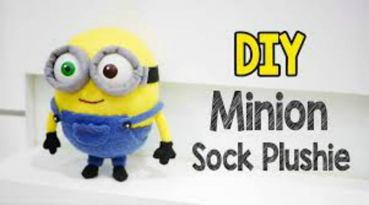 Come fare pupazzo dei minions con calzini