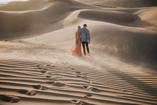 ethereal-imperial-sand-dunes-engagement-photos-20