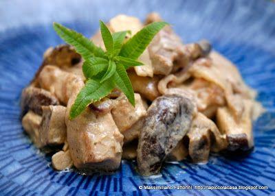 La ricetta fusion : polpa di coscia di tacchino con bambù, funghi shiitake con curry verde al latte di cocco e erba cedrina