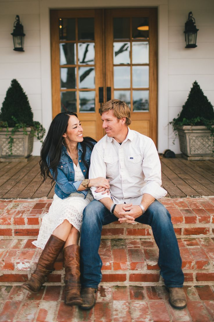 Jo Jo & Chip Gaines - Fixer Upper - Hgtv - Magnolia Homes
