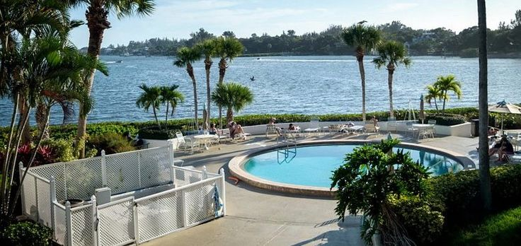 Siesta Key Waterfront Vacation Rental at Castel Del Mare 406