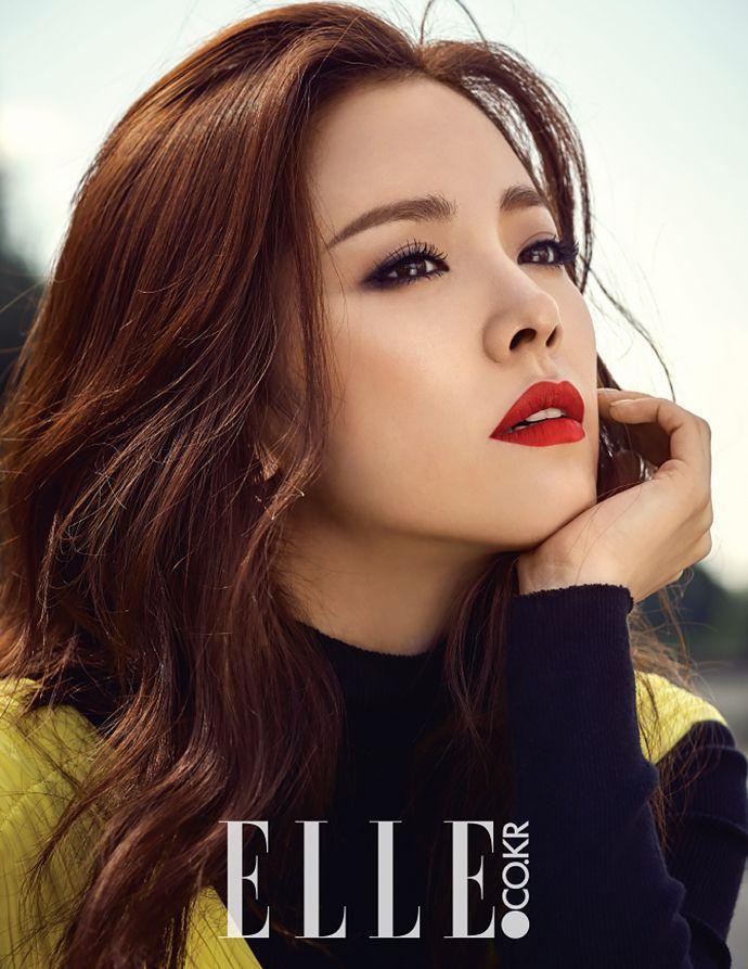 Han Ji Min Talks Skincare, Her Nephew, & Not Being Afraid of Aging in 'Elle'! | Koogle TV