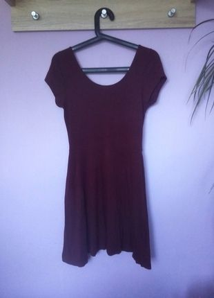 Kup mój przedmiot na #vintedpl http://www.vinted.pl/damska-odziez/krotkie-sukienki/14006193-bordowa-sukienka-rozkloszowana-atmosphere-40-l