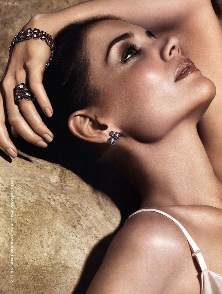 http://www.hawtcelebs.com/wp-content/uploads/2011/11/Katie-Holmes-at-H.Stern-2011-Advertising-Campaign-1.jpg
