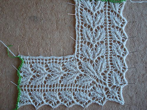 Knitted Lace Edging Patterns : 185 best images about Knitting - edgings - borders on Pinterest Cable, Knit...