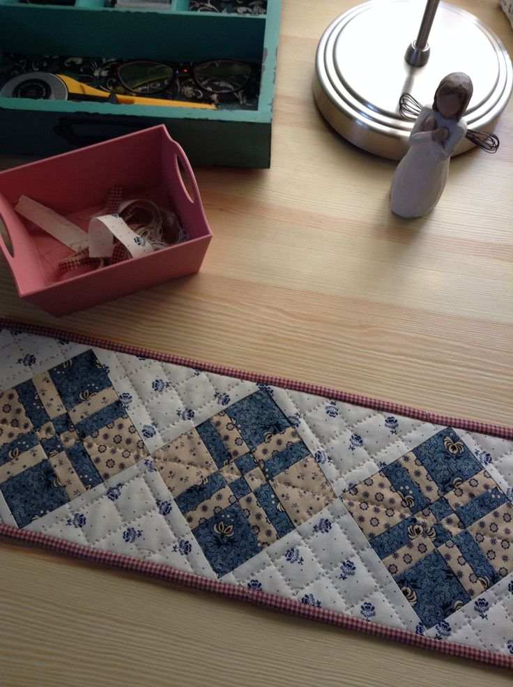 Here's how to make this cute runner with the Disappearing Four Patch block. http://sentimentalquilter.blogspot.com/2015/01/disappearing-four-patch-block-tutorial.html