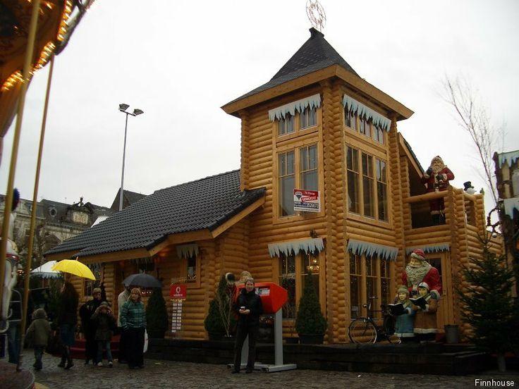 Finnhouse demontabel Home of Santa. Op het vrijthof Maastricht. Naar opslag in 7 delen !