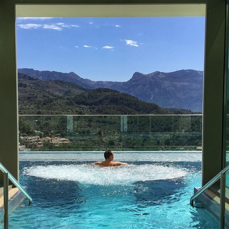This is pure #Mallorca pleasure; the Talise Spa at the upscale @jumeirahportsoller Hotel & Spa. The spa has a water circuit overlooking the port of Soller and the Unesco Serra de Tramuntana mountains.  Thanks to the combination of Mallorquín warmth and Jumairah world-class hospitality standards I'm having a splendid stay :) . . . #Mallorca #Majorca #Jumairah #JumairahPortSoller #spa #luxuryspa #luxurynavigator #luxurytravel #luxuryhotels #designhotels #design #boutiquehotels #travel #luxury…