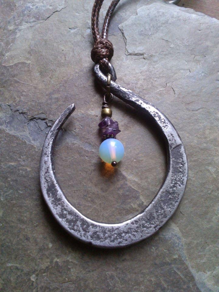 1000 id es sur le th me collier de fer cheval sur pinterest colliers anneau de fer cheval. Black Bedroom Furniture Sets. Home Design Ideas
