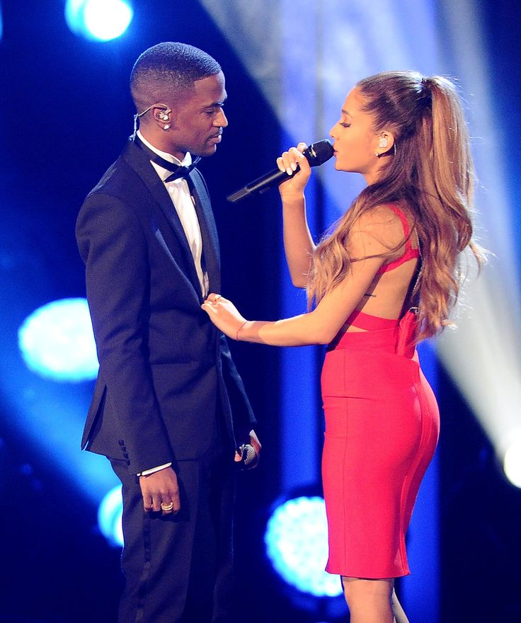 Ariana Grande and Big Sean Share Supersexy Kisses