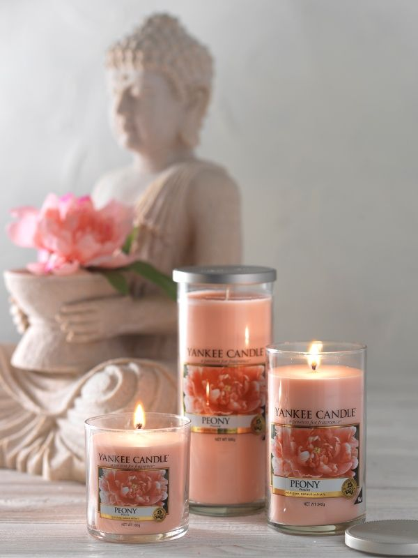 Decor pillar candles in soft pinks of Peony add a perfect pastel touch for  your wedding