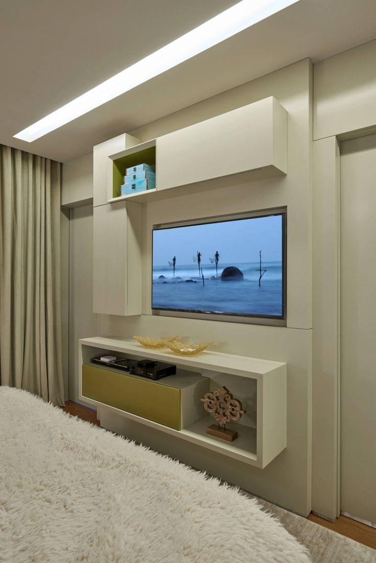 Apartamento Belvedere 2014 : Armários por Gislene Lopes Arquitetura e Design de Interiores