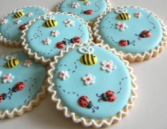 Bees and lady bug party cupcakes