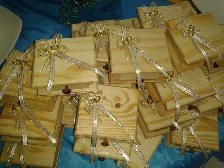 Invitacion recordatorio caja en madera