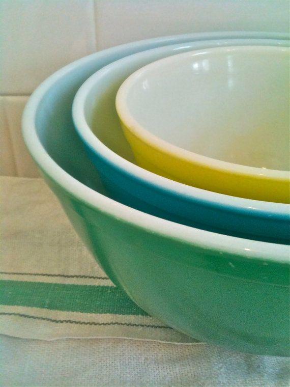 colorful #vintage #pyrex #nesting #bowls