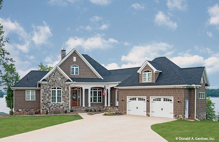 Plan of the week over 2500 sq ft the chatsworth 1301 d for 2500 sq ft house plans with walkout basement
