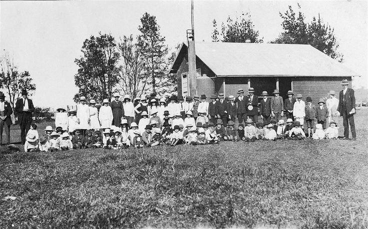 Peace Day Picnic 1919, Ewingsdale. (ABC Local: Arthur Hackett )