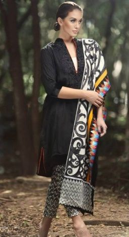 Salwar Kameez is a dress which women can wear in all type of functions. Women love to wear it because it makes them beautiful. Buy latest design Salwar kameez online from our Online Store PakRobe. Contact:(702) 751-3523 Email: Info@PakRobe.com